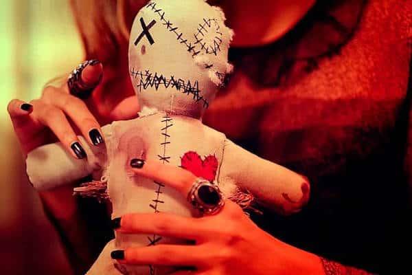 Hechizo de Amor con Amarre Vudu